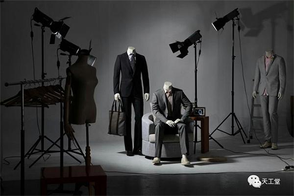 服装模特和陈列道具完美搭配