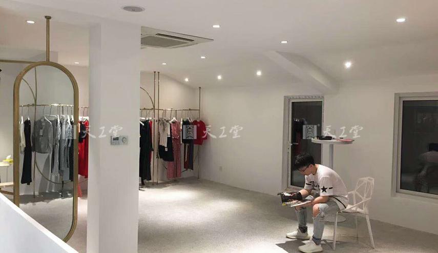 江阴女装店安装完工——天工堂道具案例
